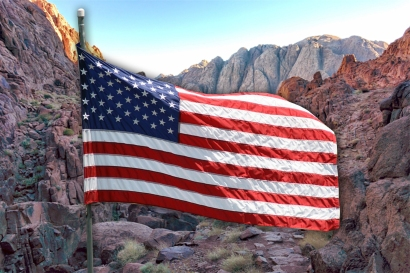 american_flag_mountains